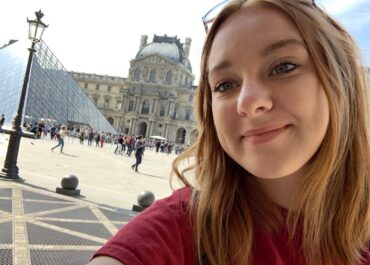 Jess at the Louvre