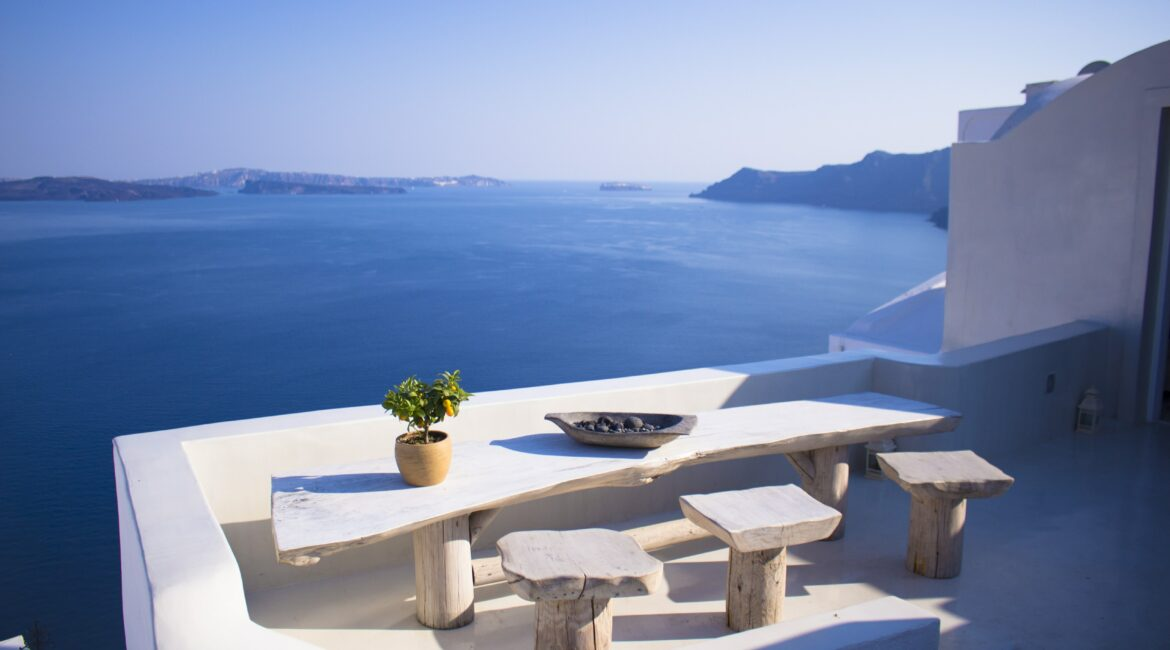 beautiful blue ocean in Santorini