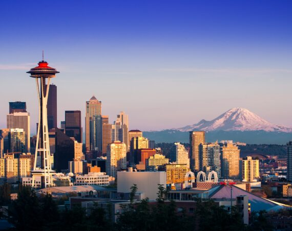 Seattle skyline and mountain